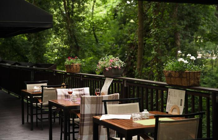 Laguna Restaurant Bar Park Plaza Cardiff